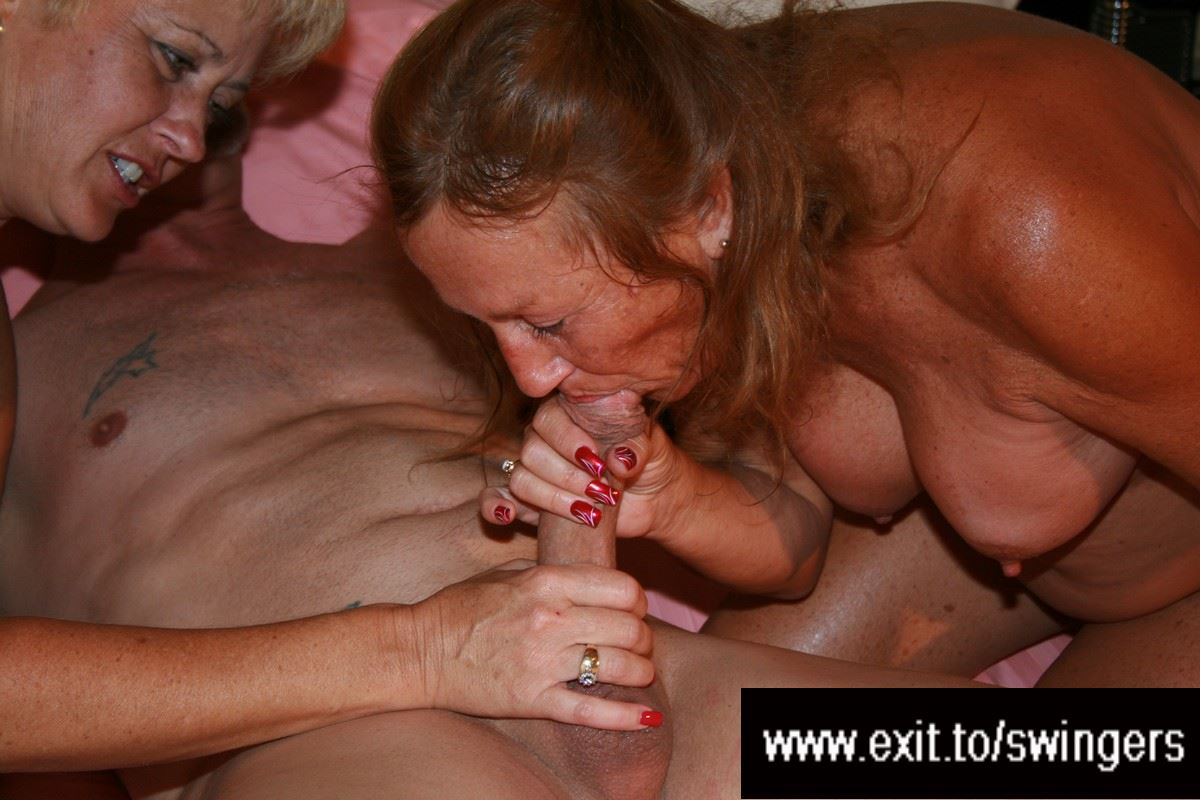 Mature ffm threesome