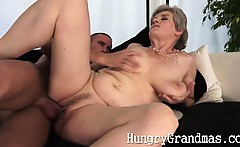 Granny pussy gets a fresh cock