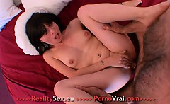 brune sex addict se branle 3 fois par jour !!! french amat