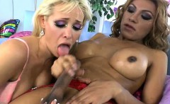 Slutty blonde tgirl licked a wet pussy before stuffing it