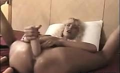 MILF Penetrating Her Loose Holes