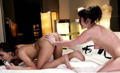 super hot chick Jennifer White and Adriana Chechik giving ea