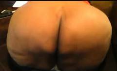 Ebony BBW shakes her booty