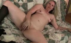 Mom's sure-fire masturbation technique