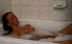 [top rated]girl masturbates and cums in her tub