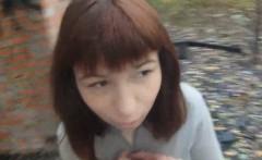 Dumb slut let a guy banged and nutted on her in public park