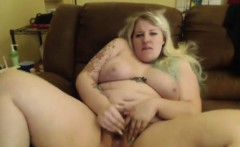 Sweet blonde Miss quirk BBW shakes booty ass