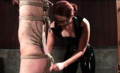BDSM amateur guy gets tied up in ropes