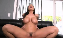 bubble ass milf lisa ann with giant tits gets frig