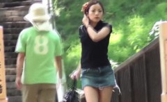 Japanese hottie urinates