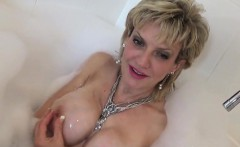 Unfaithful uk milf lady sonia shows off her monster balloons