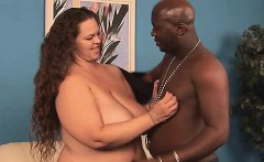 Mature fatty loves to feel bulky cocks stuffing her pussy