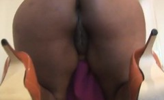 hot milf showing butt and that pussy