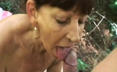 mature slut gets penetrated in a public place