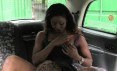 bigbooty ebony amateur pussydrilled by cabbie