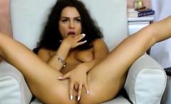Beautiful brunette girlcam slowly masturbating