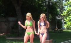 Bikini models muffdive and fingerfuck