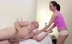Stranger Seduce Masseuse to Fuck in Massage Parlour