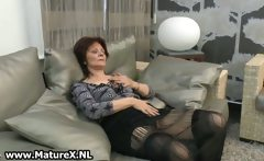 Mature housewife gets horny from