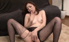 maki mizusawa loves having jizz on her lips