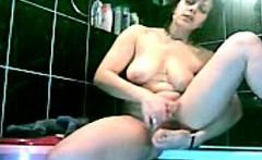 hidden camera caught masturbation of sexy mom