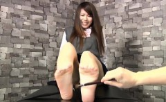 feti 154 asian feet tickle 02