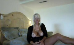 Magnificent Milf Webslut Chatting Live With Her Admirers