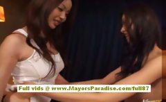 Kasumi Risa and Hara Sarasa hot asian dolls gets fingered