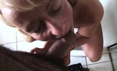 Momswithboys Blonde Cougar Shaving In The Shower Blows Cock