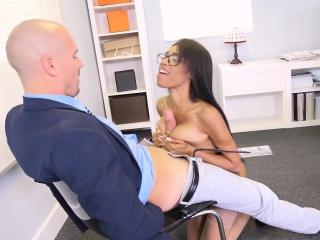 Brazzers - Big Tits at Work - Brittney White