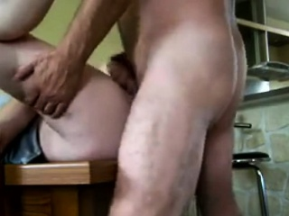 Amateur slut pov fuck and cumshot in real homemade action