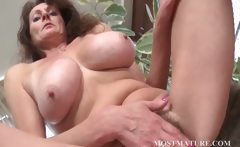 Mommy loves to touch her hairy twat