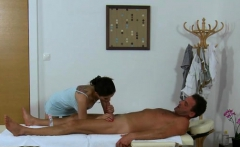 Massage saloon is the ideal place for astounding fuck
