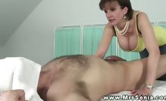 Lady Sonias sessions are full of tugging and surpression