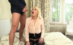 Stockings whore pissing