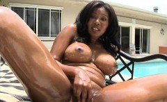 Babe's sexy bums is making stud very lustful
