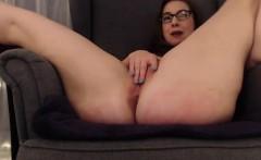Amateur slut from Milfsexdating Net masturbation