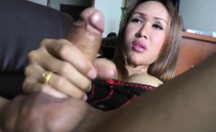 Asian Shemale Hottie Apple Pleases Herself