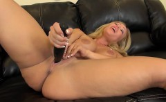 Austin Taylor Sexy and Solo Masturbating