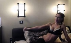 Yummy Blonde Camwhore Shows Her Perfect Tight Body