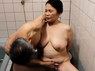 Pervert granny donatella knows how to please shaved pussy 6