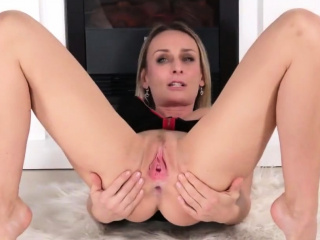 Wicked czech sweetie stretches her narrowed pussy to the spe