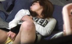 Japanese babes masturbate