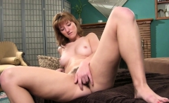 Solo cutie likes to please her pussy
