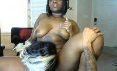 Ebony lesbian pussy lick