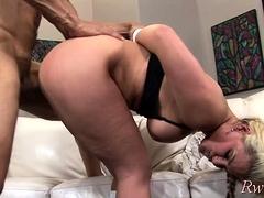 Hot busty blonde floosy Phoenix Marie begs for hardcore