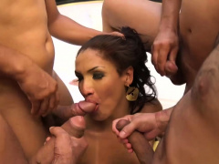 Hot-tempered Tamarah Camargo Gets Super Wet
