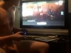 Wanking + Call Of Duty