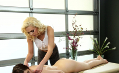 Pussylicking massage lesbian scissored