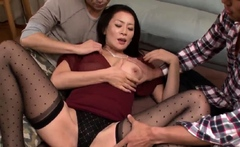 Asian mom lands a powerful - More at Japanesemamas.com